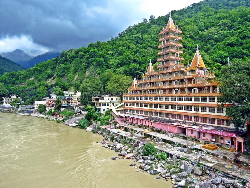 trayambakeshwar-temple-rishikesh-india-trayambakeshwar-temple-dedicated-to-lord-shiva-situated-rishikesh-world-119341677-1